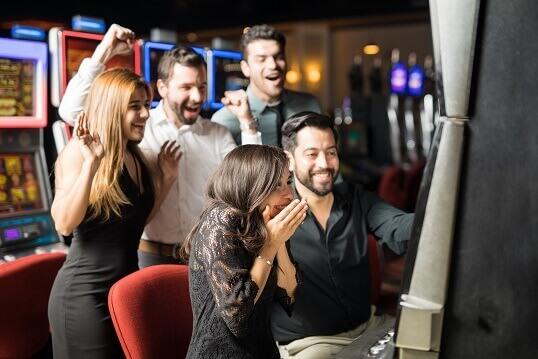916678da2b2c Por muchos años y en la actualidad las máquinas tragamonedas han sido el  juego más popular dentro del mundo de los nuevos casinos online y móviles